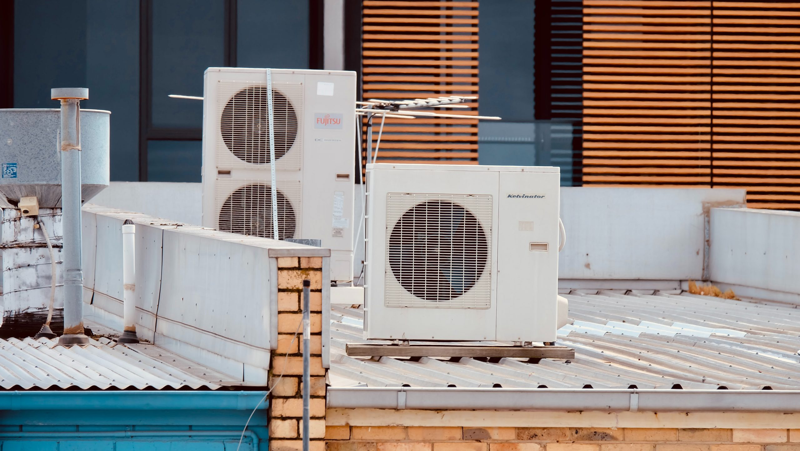 Why we should not Overlook Replacing the Old Air Conditioning Units of the Light Commercial Buildings
